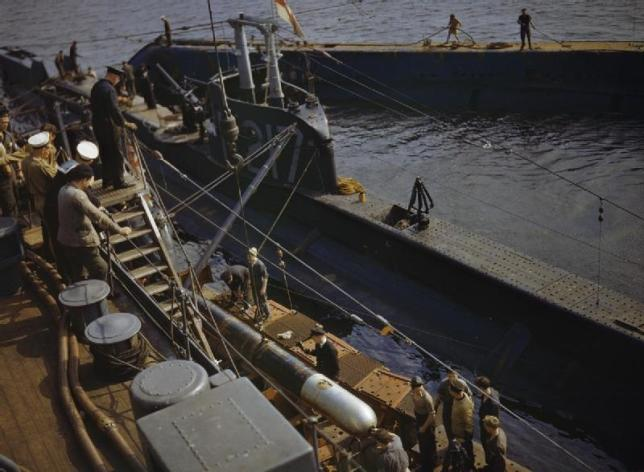 On_Board_the_Submarine_Depot_Ship_HMS_Forth,_Holy_Loch,_Scotland,_1942_TR526